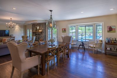 Open floorplan- from kitchen to dining room to living room