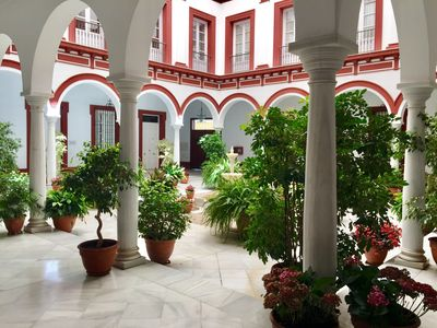 Photo for Magnificent apartment in the heart of SEvilla
