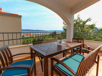 Photo for Charming holiday rental for 10 with 2 separate units near Split and Trogir