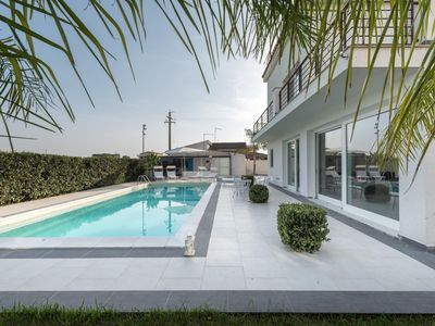 Photo for Modern Villa with pool near Siracusa, few steps from the beach.