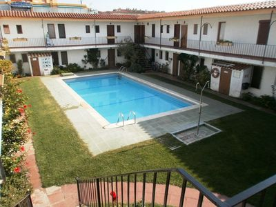 Photo for Apartment 100 m from the beach, a/c, pool, wifi...