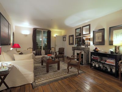 Photo for Charming & Comfortable Apartment Close to Palais De L'Elysée
