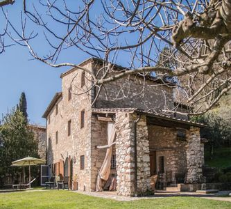 Photo for Beautiful Hillside Tuscan Vacation Residence