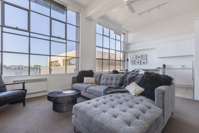 New York style light filled large 1 bedroom in iconic heritage building -  Richmond