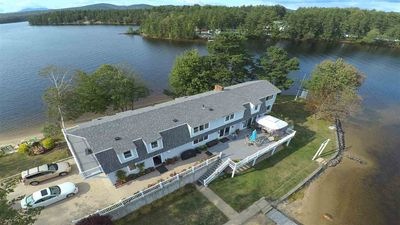 LAKE-FRONT! Your own PRIVATE BEACH & DOCK on PRIVATE Peninsula