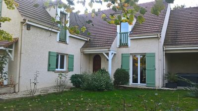 Photo for 5 mn Disneyland Paris, very nice villa in a quiet and facing the woods
