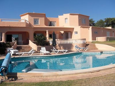 Photo for Quinta Omorka: Private villa on the edge of Lagos with heated pool & aircon