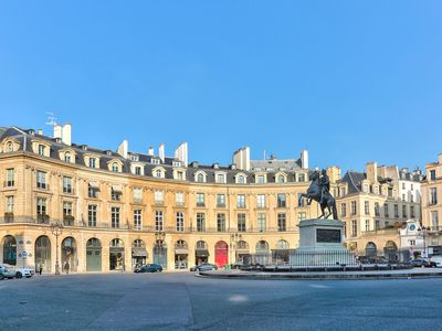Photo for Luxury apartment on the Place des Victoires
