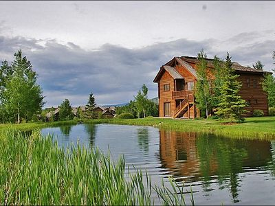 Photo for Immaculate Log Home, Private Resort Community, Large Bedroom Suites (213269)