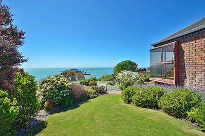 The Cliffs, Nelson Holiday Home