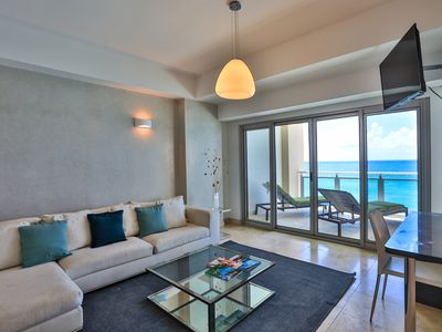 *High Season SPECIALS* *The CLIFF_ BEACHFRONT and LUXURY MODERN UNIT*