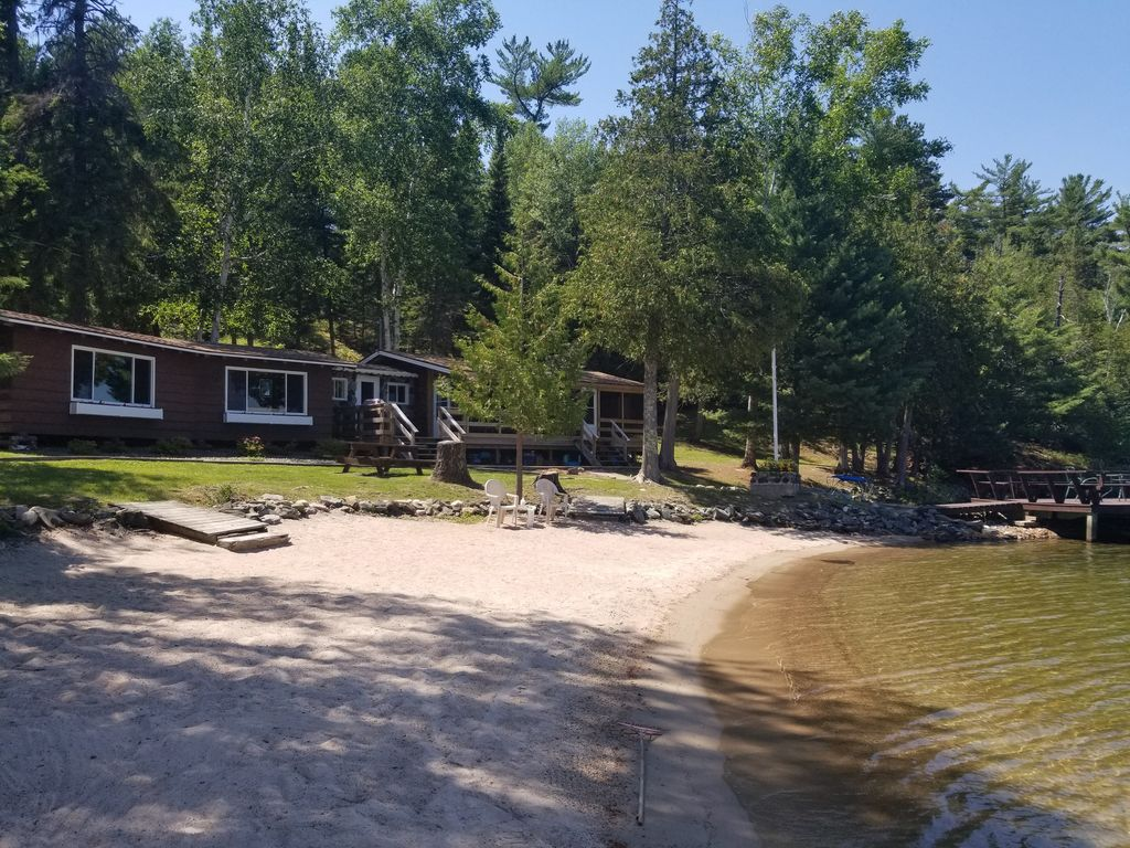 ALL BOOKED UP FOR 2019Private Beachfront log cabin Lake of the Woods -  Sioux Narrows