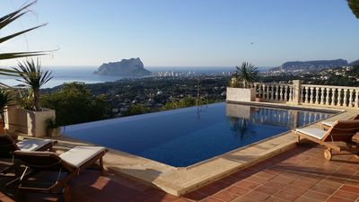 Photo for SUPER LUXURY, INCREDIBLE VIEWS 180º TO THE SEA, INFINITE SWIMMING POOL CLIMATIZADA 8 PAX