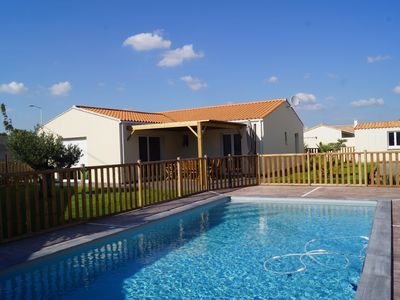 Photo for 3 bedroom house with swimming pool near La Rochelle and beaches