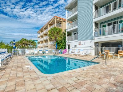 Completely remodeled 2/2 Beachside Condo.
