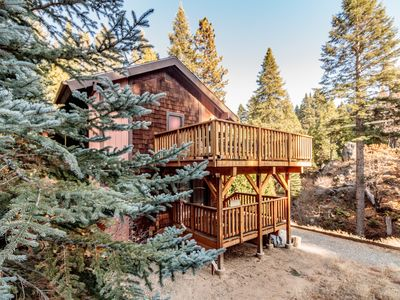 Photo for Yosemite's Big Rock Cabin - Less Than 2 Miles from the South Gate!