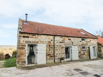 Photo for COTTAGE VAL, pet friendly, with open fire in Ravenscar, Ref 951440