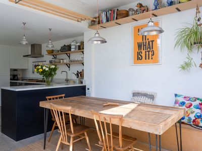 Photo for Bright & Stylish 4BR with garden, 20 min away from Oxford Circus, by Veeve