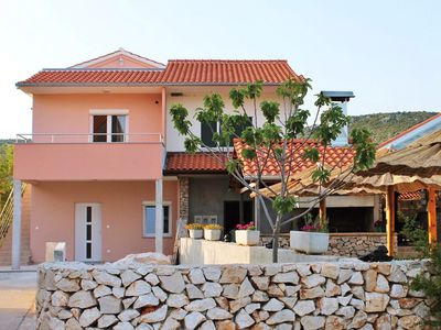 Photo for Apartments Anamarija, (14980), Vinišće, Trogir riviera, Croatia