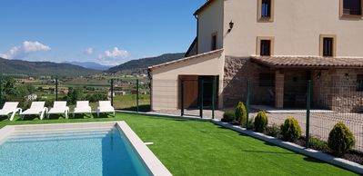 Photo for MIRO VELL for 18 people, with barbecue, pool, wi-fi, and views of the Pyrenees