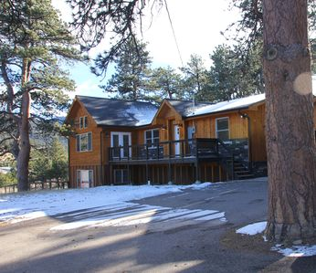 Photo for Mountain Sunrise Cabin - HOT TUB, Wildlife, Serene - Near RMNP and Downtown