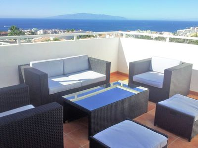 Photo for Comfortable apartment in Playa de las Americas with stunning sea views