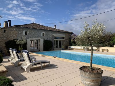 Large private pool overlooking valley and neighbouring chateaux