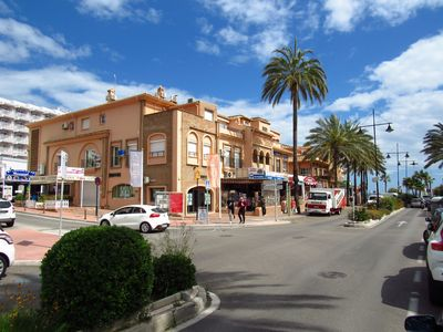 Photo for Top floor 3 bedroom apartment 50m from the beach