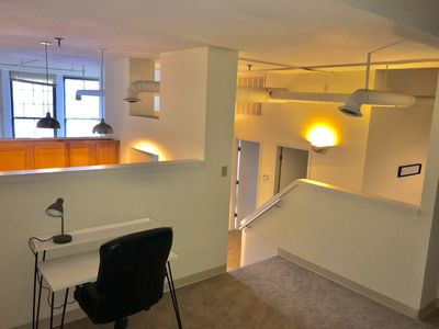 Stylish Luxe Apartment Steps from Bankers Life Std