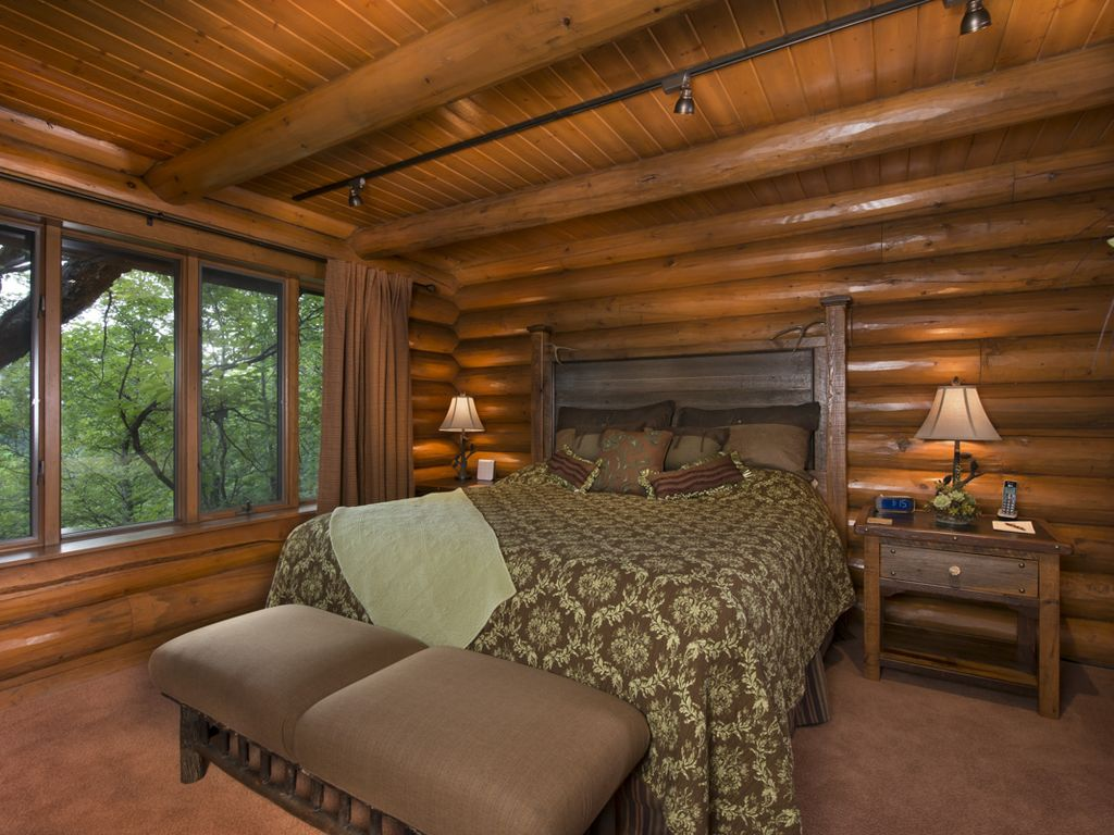 Luxury Log Cabin With Custom Cliff Side Hot Tub Views Of Branson Skyline Hollister Mo