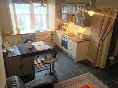 Photo for Lovely Southside Flat, Short Walk to Royal Mile, overlooking Arthur's Seat.