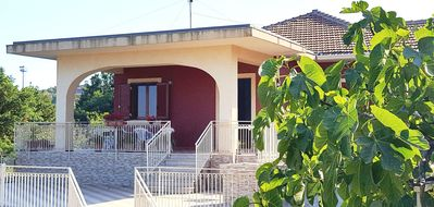 Photo for Beautiful villa with private garden between the Etna vulcan and Taormina