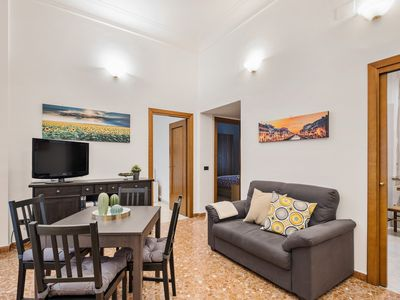 Photo for Lovely 2 bed flat in San Giovanni
