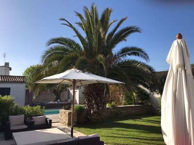Photo for Charming house in La Couarde with heated pool