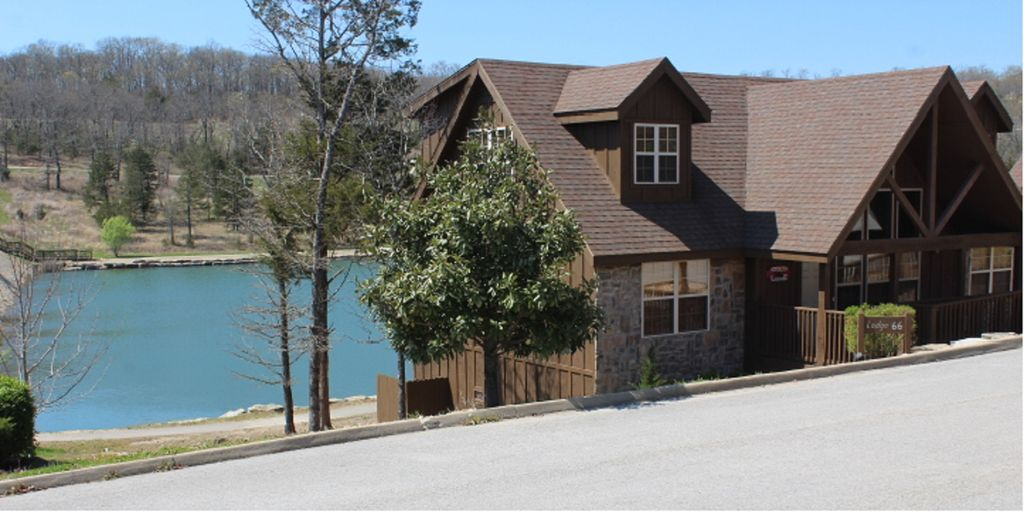 Branson S Perfect Lakefront Lodge With Beautiful Ozark