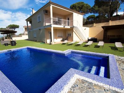 Photo for Country house in Maçanet de la Selva with Internet, Washing machine, Air conditioning, Pool (922709)