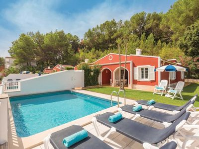 Photo for A comfortable villa 1km from a lovely bay, restaurants & shops - country walking trails nearby