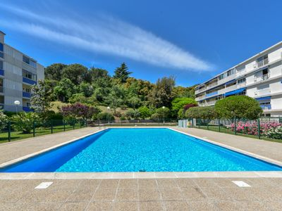 Photo for Modern studio with terrace and swimming-pool in Mandelieu-la-Napoule