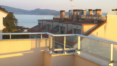 Photo for Large and bright penthouse with sea view and terrace