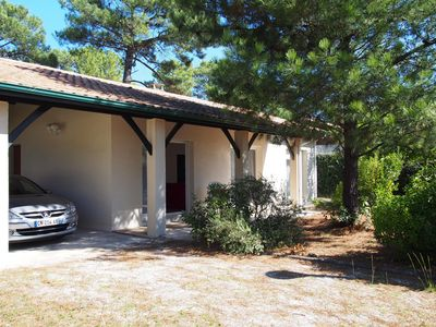 Photo for 3 bedroom house in quiet area 10 minutes from the beach