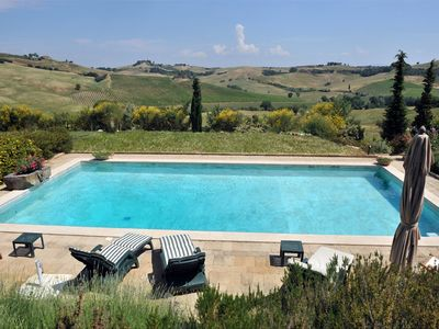 Photo for Charming Villa close to Pienza and Montepulciano