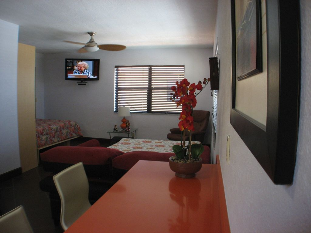 Bargain Just A Few Less Steps From The Boardwalk And Beach In Hollywood West Hollywood