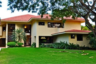 Ample lawns and many windows to enjoy the wonderful Caribbean sunlight