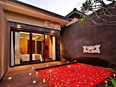 Photo for Romantic Honeymoon Villa with Private Pool near Echo Beach, Canggu