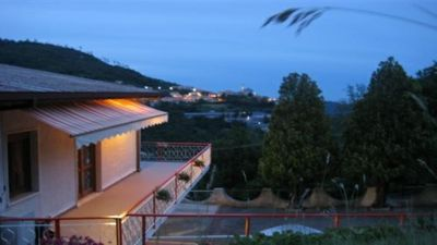 Photo for Villa with JACUZZI on the hills of Loano, sea view and village of Balestrin