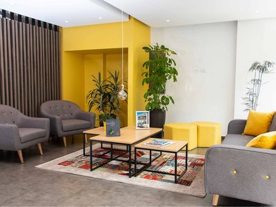 Photo for Restaurants, central location and fiber optic internet - studio apartment for 2 people