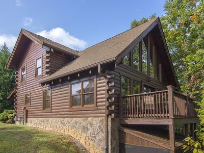 ER1 - Smoky Mountain Escape  Great location - Close to town!