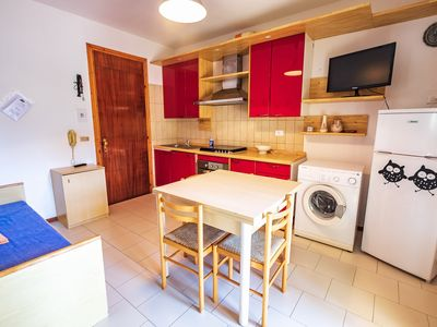 Photo for Apartment in residence with swimming pool, large terrace, central area, parking space