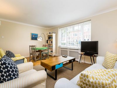 Photo for Super 3 Bedroom Maisonette Trendy Battersea