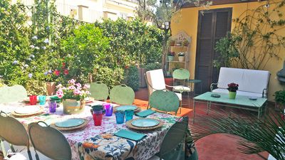 The charming and spacious terrace of the Spanish Steps Regina apartment